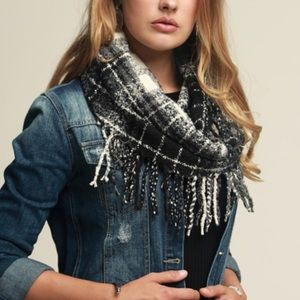 Oh So Soft Casual Plaid Infinity Scarf w/ Tassels